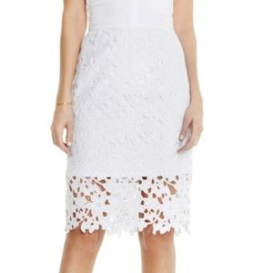 Vince Camuto white floral lace midi pencil skirt 6